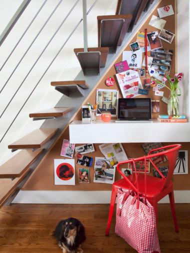 original_brian-patrick-flynn-small-space-workspace-under-stairs_s3x4-jpg-rend-hgtvcom-966-1288